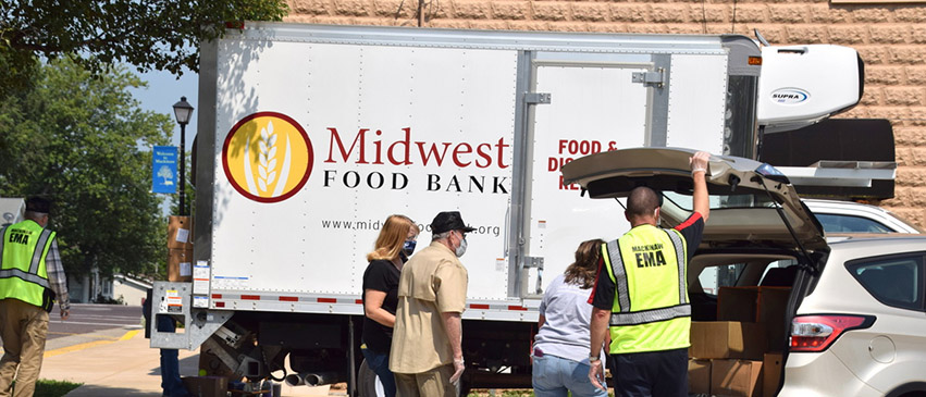 Midwest Food Bank of Peoria serves over 300 agency partners in Illinois, eastern Iowa, and parts of Missouri and Kentucky.