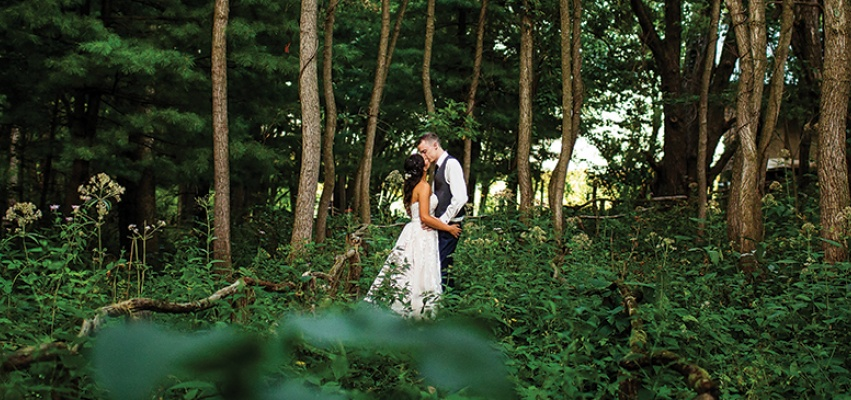 The breathtaking views at Wildlife Prairie Park set the perfect scene for wedding photos. Courtesy of Chris McGuire Photography